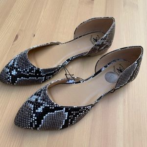 **NEW Beverly Hills Polo Club Snake Skin Flats